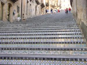 Caltagirone, l'illuminazione della scala di Santa Maria del Monte su Rai1