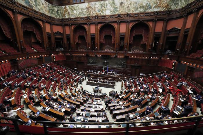 Manovra, passa alla Camera con il voto di fiducia 334 sì e 232 contrari