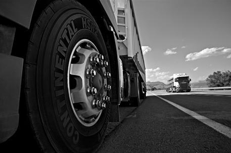 Carburante agricolo in un camion, una denuncia nel Cosentino