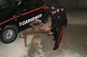 Floridia, recuperata dai carabinieri la campana rubata nella chiesa di San Sebastiano a Palazzolo