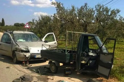 Campobello di Mazara, auto contro un albero: pensionato morto
