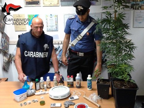 Scicli, nasconde in casa oltre 90 grammi di marijuana: arrestato