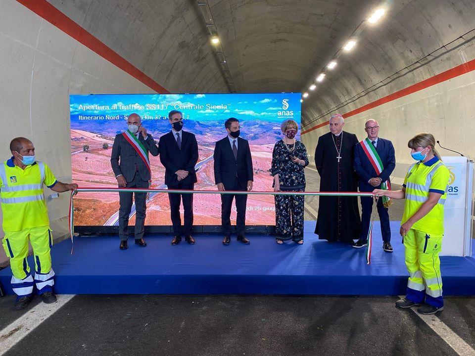 Statale 117, il viceministro Cancelleri inaugura altri 6 chilometri della Nord-Sud