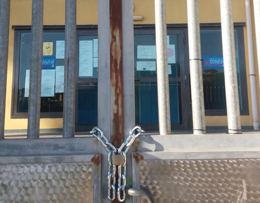 Scuola di Pachino rischia di chiudere per morosità dell'ex Provincia