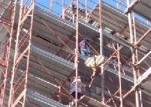Sette operai in nero in due cantieri a Catania, scattano le denunce