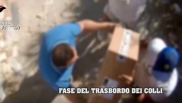 Rapine ai furgoni carichi di sigarette 12 arresti a Palermo
