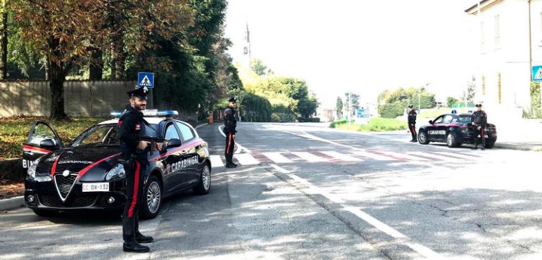 Catania, giovani sorpresi a bordo di auto rubata: un arresto e una denuncia