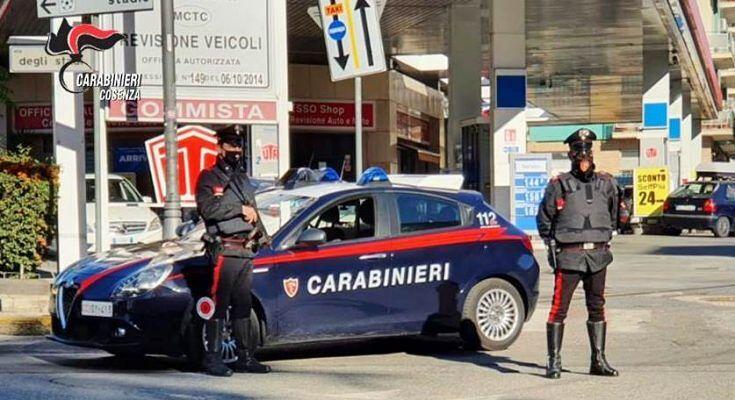 Cosenza, evade dai domiciliari per vedere compagna e figlio: arrestato