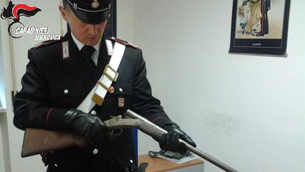 Rosolini, trovato con un fucile e duecento cartucce: arrestato