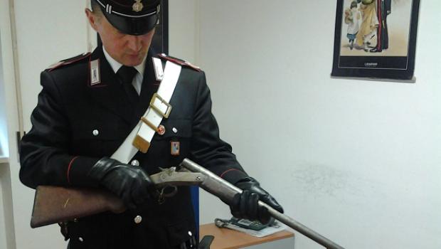 Avola, trovato con fucile non dichiarato e cartucce: denunciato