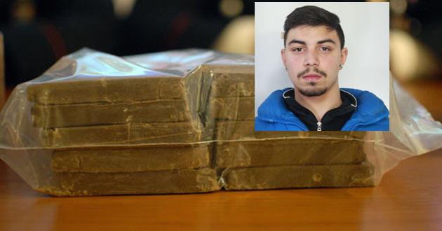 Quasi 10 chili di droga in auto, due arresti a Catania