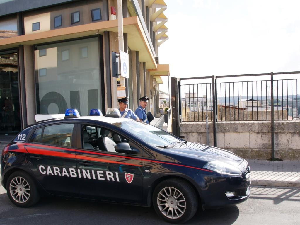 Ragusa, era ubriaco e provoca un incidente: finisce ai domiciliari