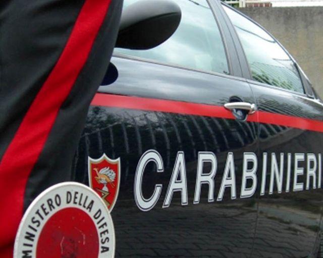 Ragusa, sul motorino rubato in giro vicino alla caserma: denunciato giovane albanese
