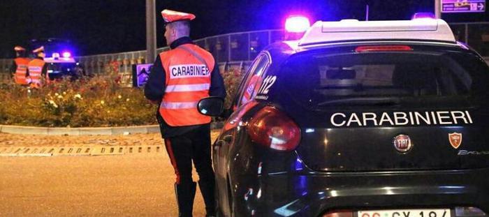 Due giovani africani uccisi da un'auto nel Casertano: preso il pirata della strada