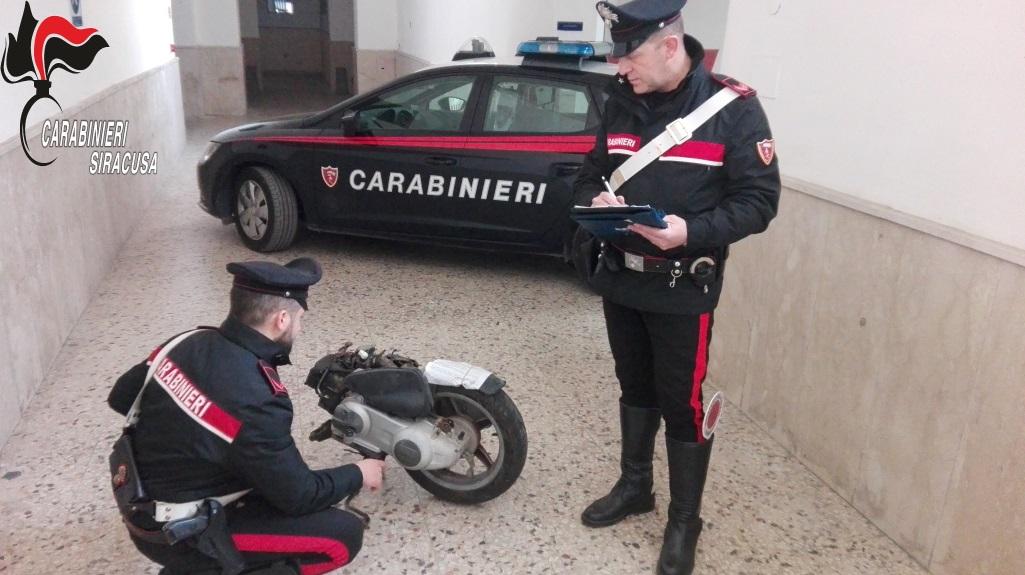 Scoperto a Scordia un centro di stoccaggio di moto rubate: un denunciato
