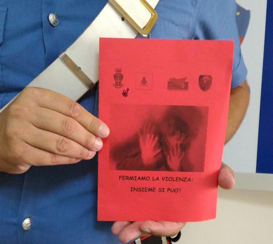 Rompe il naso all'ex fidanzata, arrestato dai carabinieri a Marzamemi