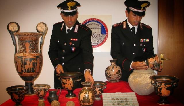 Traffico di beni archeologici siciliani, 23 arresti tra Italia e Europa