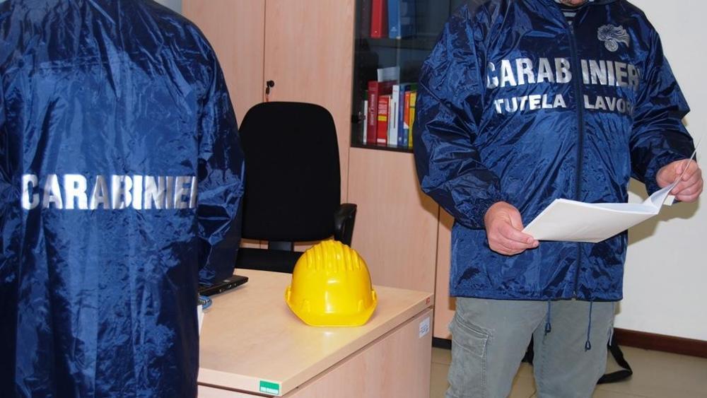 I carabinieri scoprono tre lavoratori in nero nel Siracusano