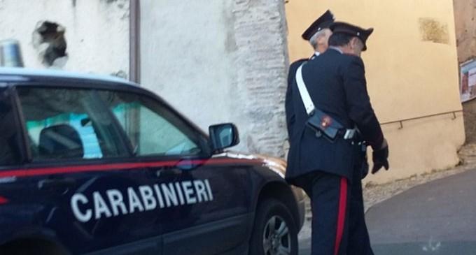 Picchia la moglie e il figlioletto, romeno arrestato a Palazzolo