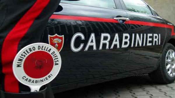 Agrigento, lancia un vaso contro carabinieri: arrestato