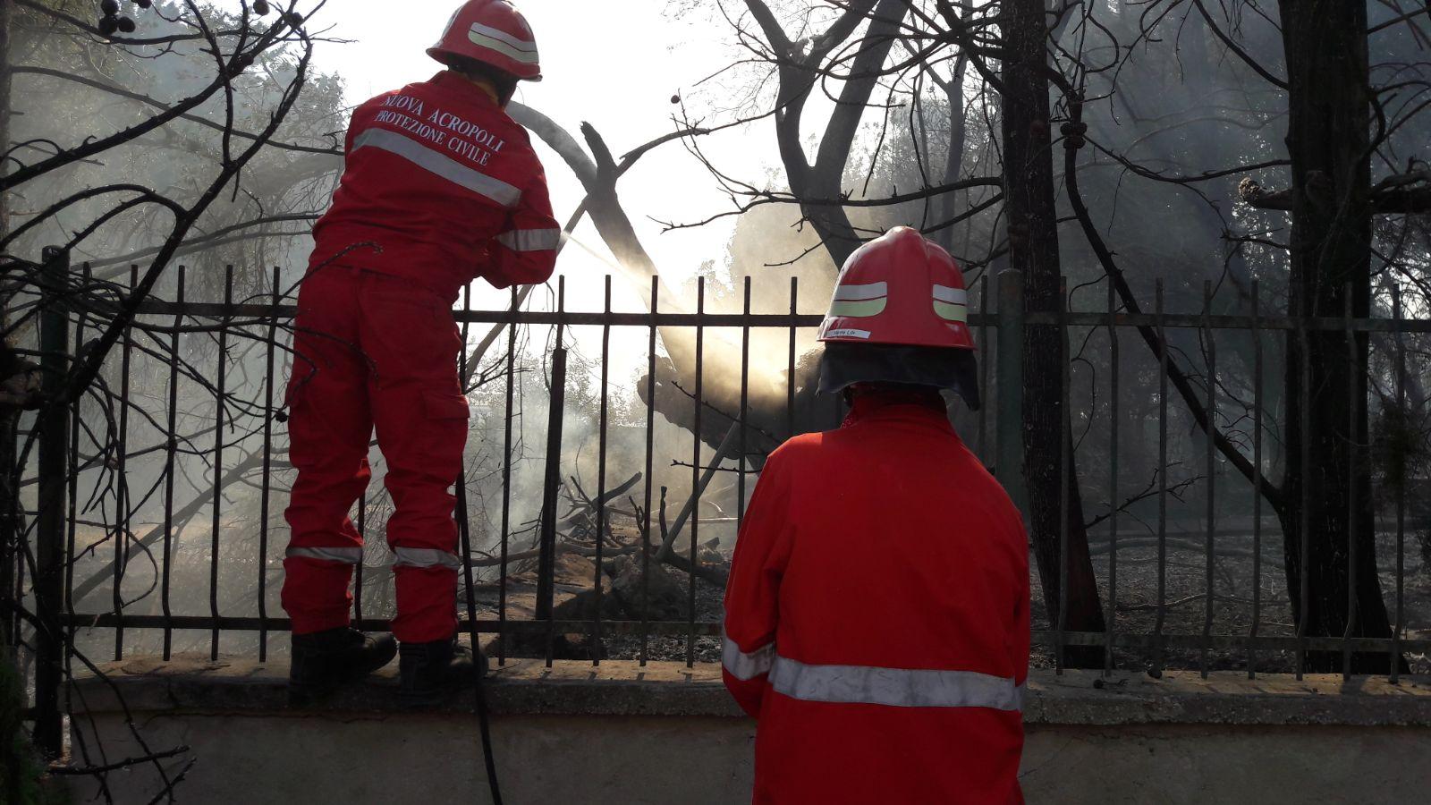 Il fuoco a Belvedere di Siracusa, intervenuta pure Nuova Acropoli