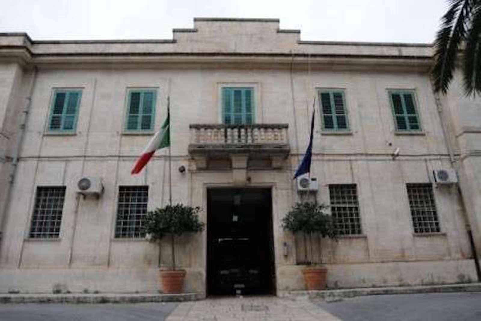 Detenuto aggredisce un agente penitenziario nel carcere di Ragusa