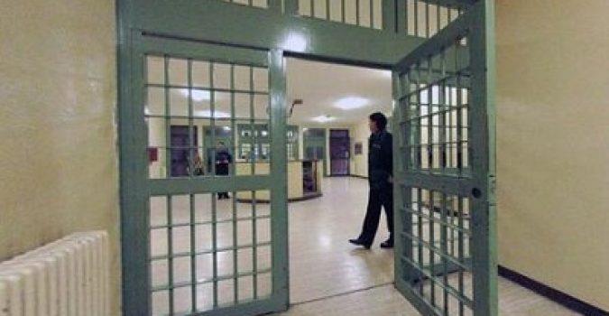 Siracusa, agente aggredito in carcere finisce in ospedale