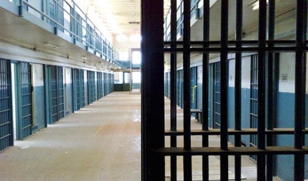 Carceri, agente penitenziario aggredito da un detenuto a Palermo