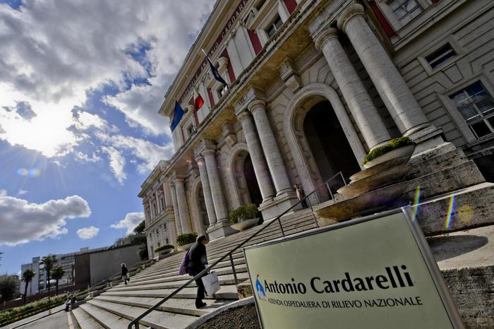 Furbetti del cartellino al Cardarelli di Napoli: 60 indagati