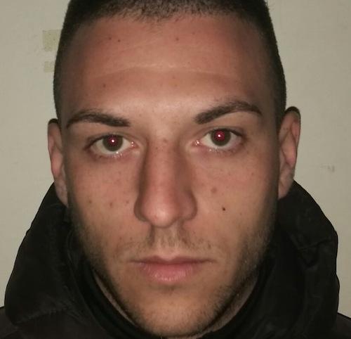 Catania, beccato mentre cede droga a Librino: arestato