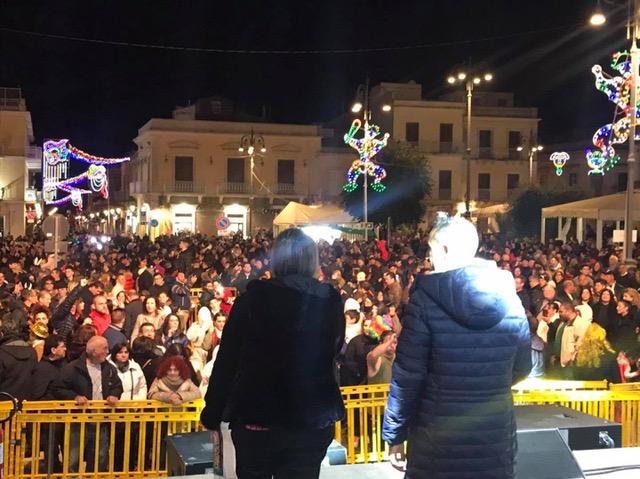 Bagno di folla ad Avola per il Carnevale: domani si chiude con Ventura e Ana Mena