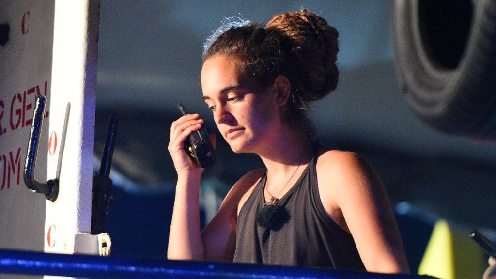 'Caso Sea Watch', per i pm la capitana Carola non può lasciare l'Italia