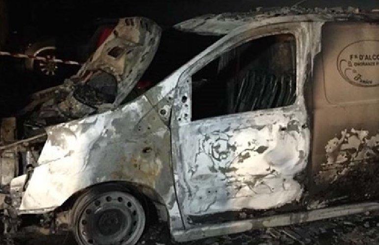 'Avvertimento' con il fuoco a un'agenzia di onoranze funebri di Ragusa