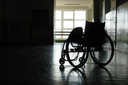 Caltanissetta, calci e pugni a un disabile: due arresti