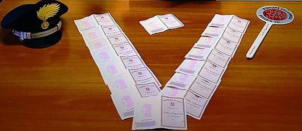 Recuperate le carte di identità rubate in un Comune nel Catanese