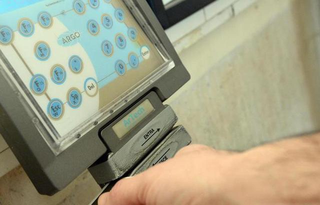 Assenteismo, arriva il controllo con le impronte digitali per gli statali