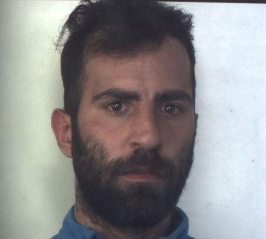In giro per Cassibile nonostante i domiciliari, arrestato floridiano