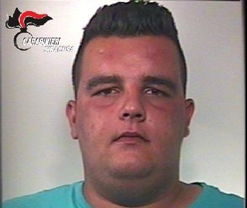 Furto in un negozio di Floridia, arrestato un giovane di Avola