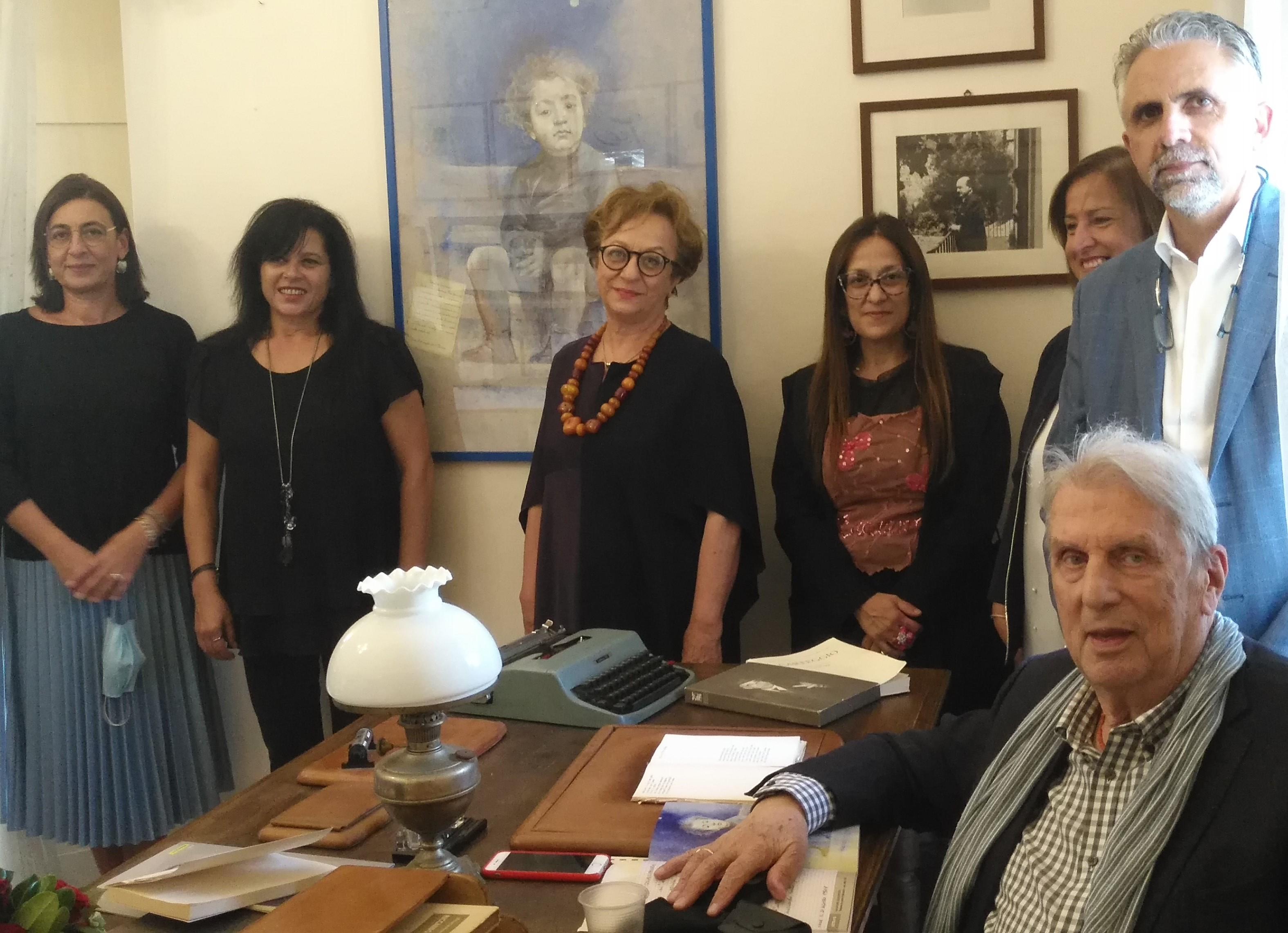 """Modica, al Museo Casa Quasimodo il dipinto """"Promesse mantenute"""""""
