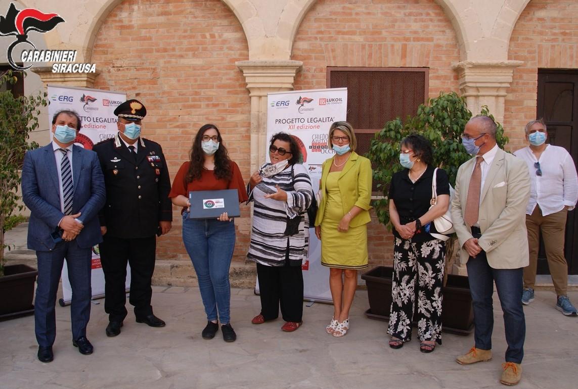 """Siracusa, progetto legalità """"Un casco vale una vita"""": gli studenti premiati"""