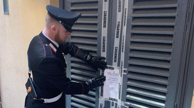 Gestiva due case a 'luci rosse' a Palermo: 29enne denunciato