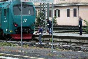 Roma, muore investito sui binari: traffico in tilt sulla Casilina