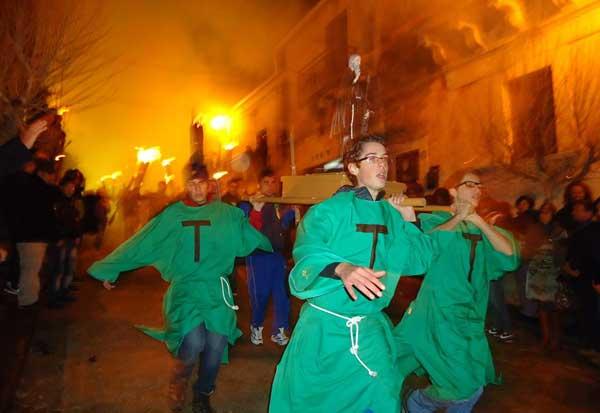 Le telecamere della Rai a Cassaro per  la festa di Sant'Antonio Abate
