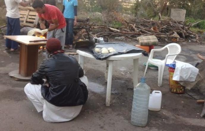Iniziativa della Cgil di Siracusa per l'1 Maggio: derrate alimentari ai braccianti 'invisibili'