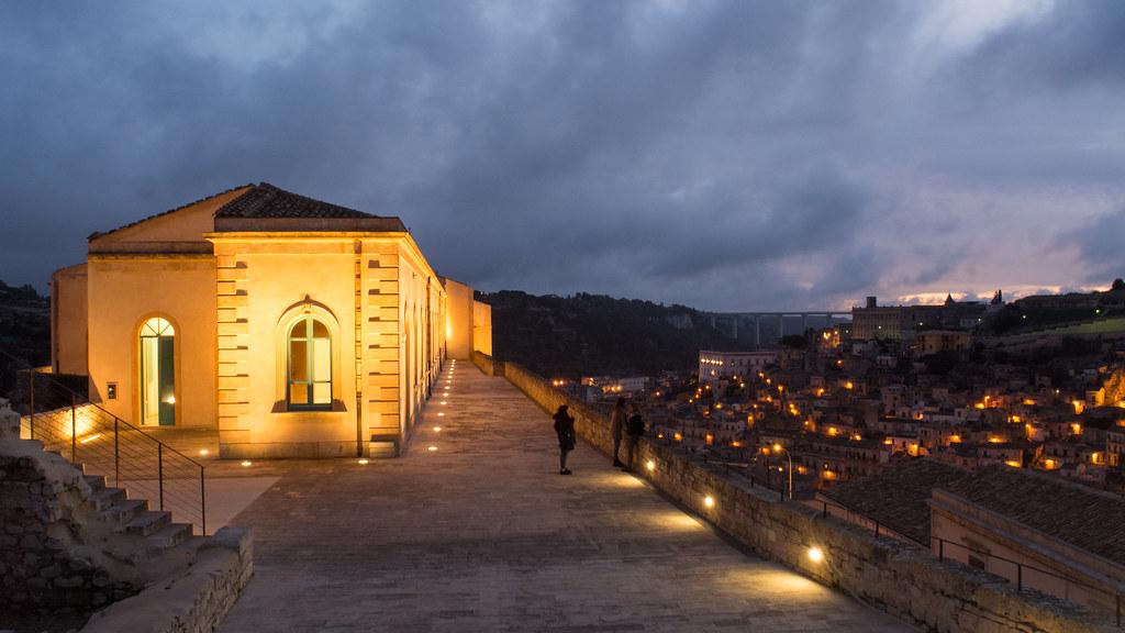 Modica, Festa della Repubblica: il Castello dei Conti da domani illuminato dal tricolore