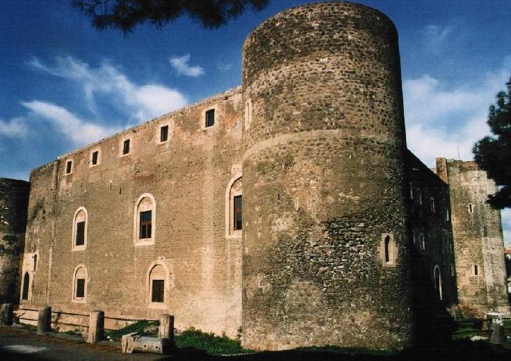 Catania, il Castello Ursino per 24 ore diventa un grande palcoscenico