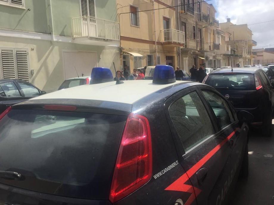 Marito e moglie morti a Castelvetrano: lui la strangola e poi si accoltella