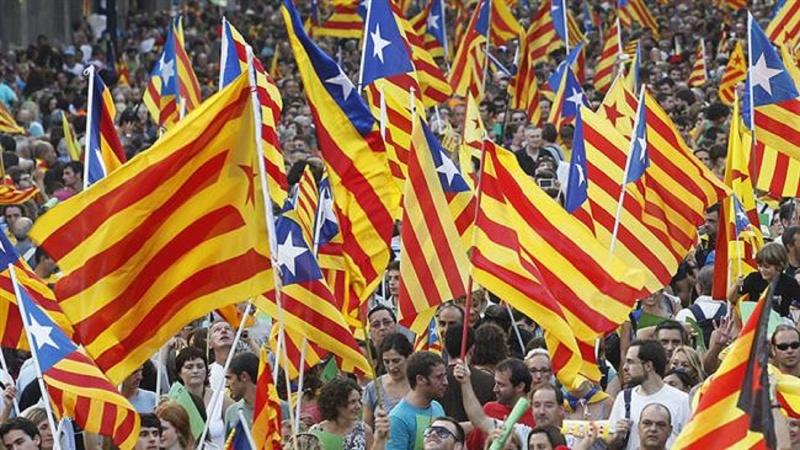 Catalogna, indagati 700 sindaci pro-referendum: rischiano l'arresto