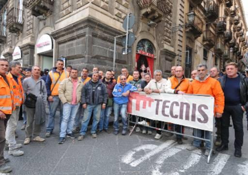 Catania, sciopero e protesta dei lavoratori della Tecnis