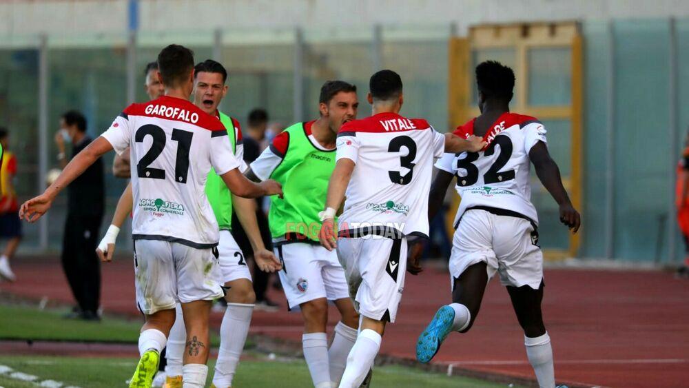 Il Catania domina al Massimino , ma è il Foggia a passare il turno nei play off
